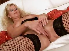 Blonde mom Merilyn sucks and fucks