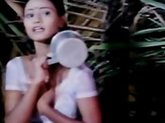 Classic Indian mallu girl hot bath scene from Kaam Waali movie