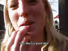 Dutch amateur masturbates in public!