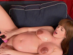 Laura's only desire is to masturbate even though she's pregnant