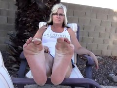 Mega jummy cougar soles Carli from dates25com