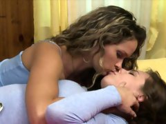 Aidra Fox and Prinzess fingering pussy while licking clit