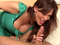 Syren De Mer wants to feel a fellow's big dick in her mouth