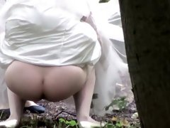 Bride's hot pissing pussy gets peeped