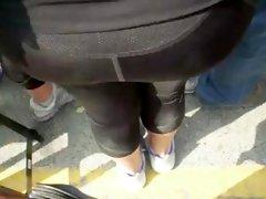 manoseando a culona en desfile