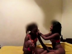 Beautiful African babe eats a sweet black pussy. She gets