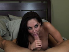 Stacked cougar Ava Addams loves to suck cock and to get pounded hard