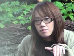 Japanese slut rubs vag