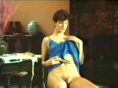 Raven haired slutty hottie in red stockings fucks with her stud at kitchen