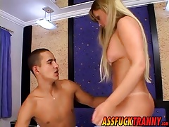 Gorgeous tranny Dayanne Callegary gets drilled by hot stud