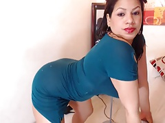 hot latin milf know how to move the booty damn