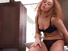 Kriss shaking her tight 18yo ass in skinny jeans