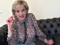 Huge melons blonde gilf wants to get fucked hard