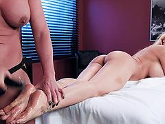 Phoenix Marie gets frisky with insatiable lesbian Luna Star