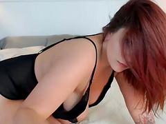 Pretty Hot Curvy Slut Filmed Herself While Seducing You