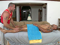 Amazing Gay Gets A Facial Cumshot After A Hardcore Thrusting