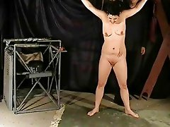 Extreme asian spanking and screaming rigid caning